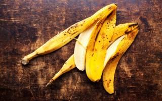 Универсальная банановая кожура: польза и вред, применение в быту, народной медицине и косметике
