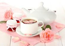 Полезные свойства розы: лепестки и плоды на страже вашего здоровья