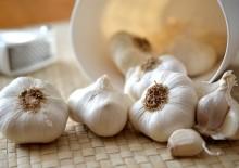 Ядрёный чеснок – полезные свойства и противопоказания