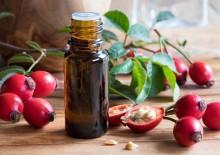 Масло шиповника — полезные свойства и применение «жидкого солнца»