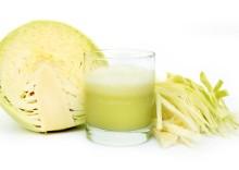 Польза и вред свежего капустного сока: диетические, противоязвенные и другие свойства