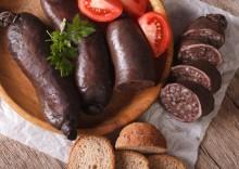 Жутковатая кровяная колбаса: польза и вред, состав и калорийность
