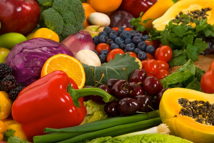 яркие овощи и фрукты