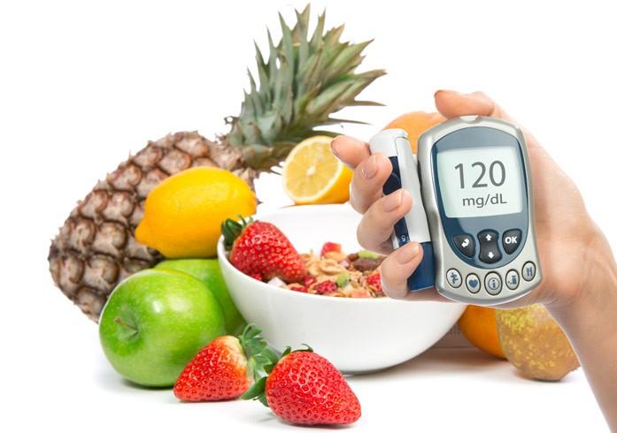 глюкометр и фрукты