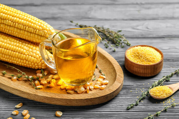 кукурузное масло в чашке