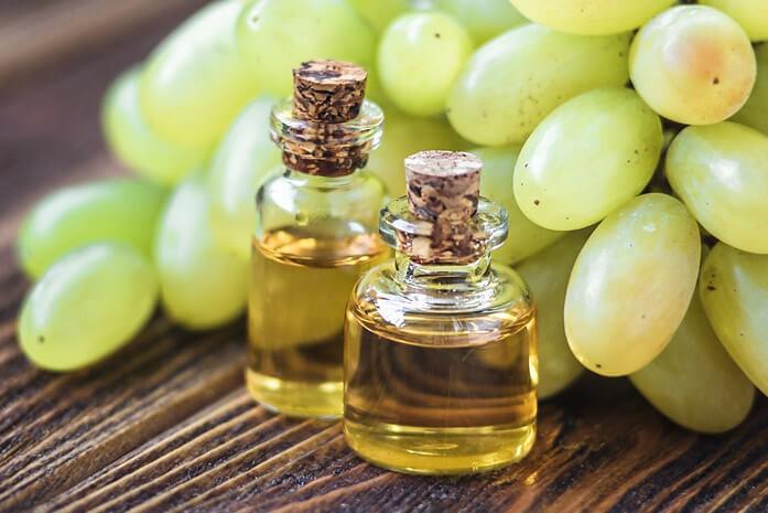 масло виноградной косточки в стекле