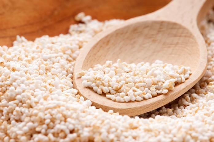 Рассыпанные амарантовые семена